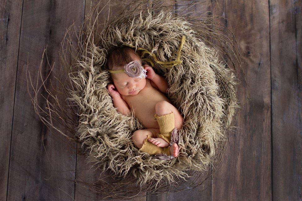 chicago-artistic-newborn-photography