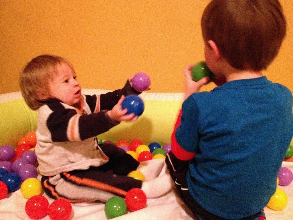 Corral-Your-Kids-Kiddie-Pool-Indoors