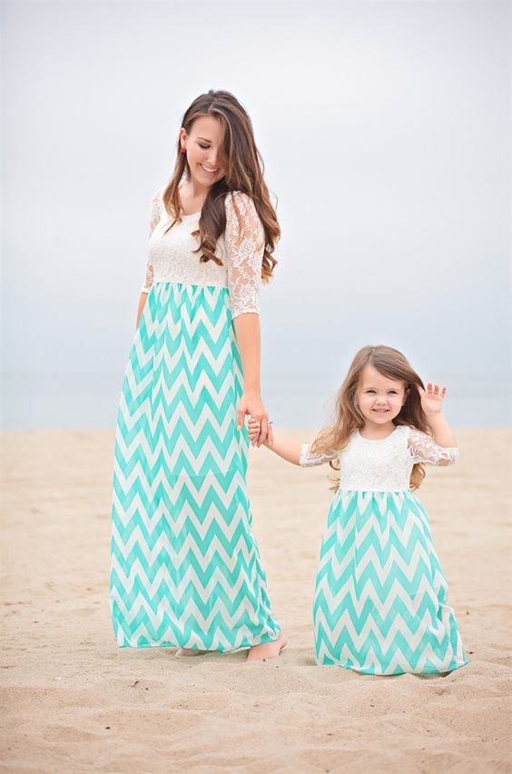 8e36e8812f 40 Adorable Mother & Daughter Outfits | momooze