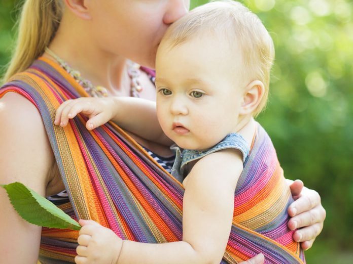 10 Reasons Why Should you Try Baby Wearing