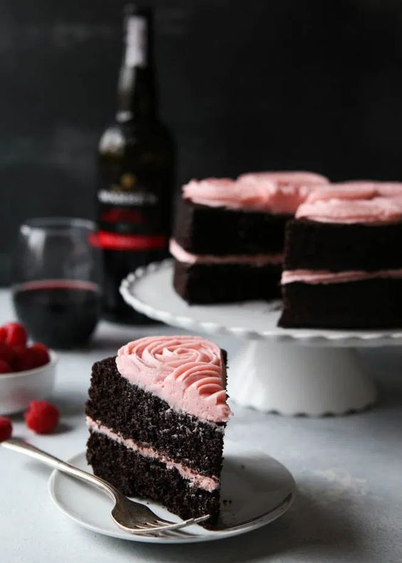 25+ Mouth-Watering Desserts With Wine