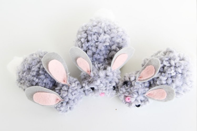 30+ Creative DIY Easter Crafts for Kids soft pom pom bunnies momooze.com online magazine for moms