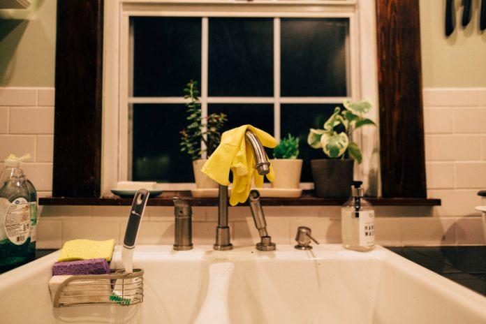 9 učinkovitih hakova za brzo čišćenje kuhinje
