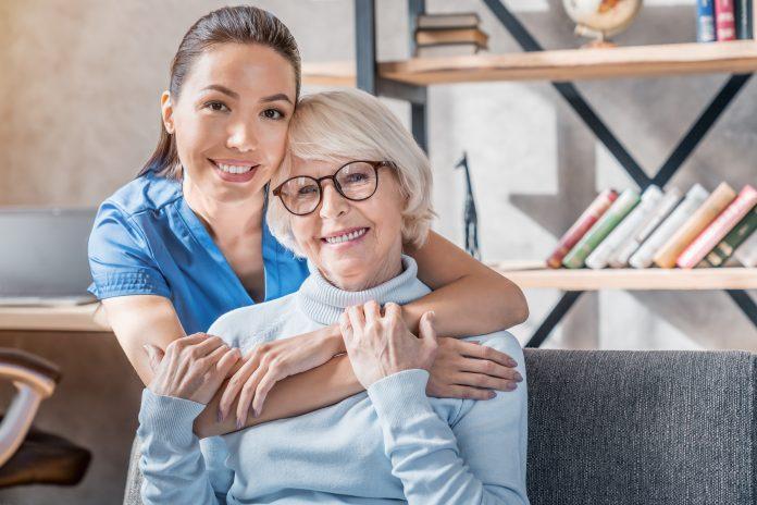 6 načina na koje bi kućna zdravstvena sestra mogla pomoći vašoj obitelji
