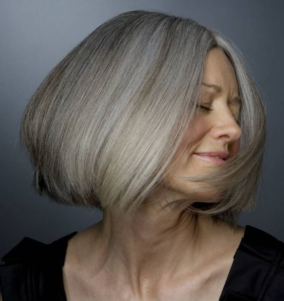 30+ Beautiful Hairstyles for 50-Year-Old Women