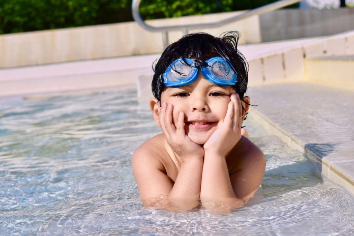 Benefits Of Teaching Your Kids How To Swim At An Early Age