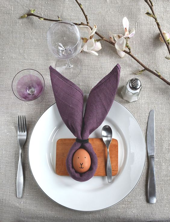 35+ Breathtaking Easter Brunch Decorations, Table Scapes & Center Pieces