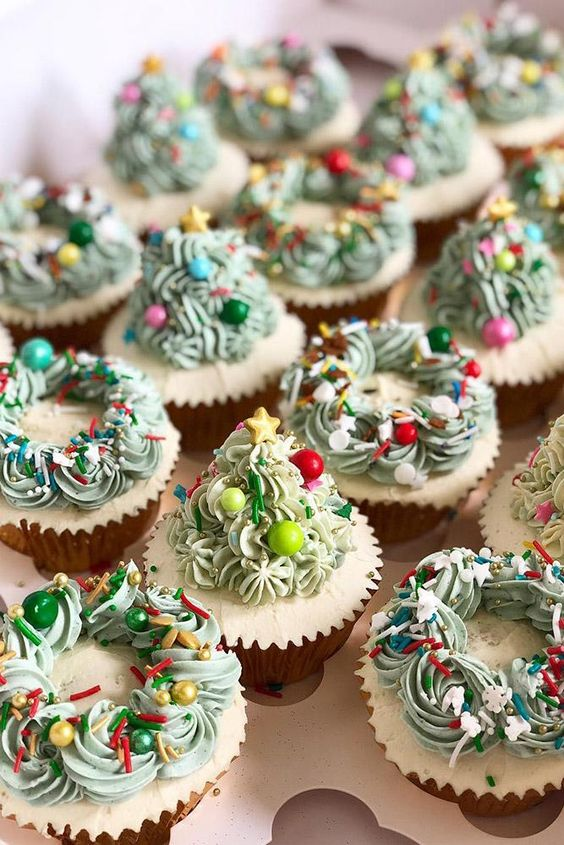 50 Easy Christmas Cupcakes Ideas To Celebrate This Holiday Season