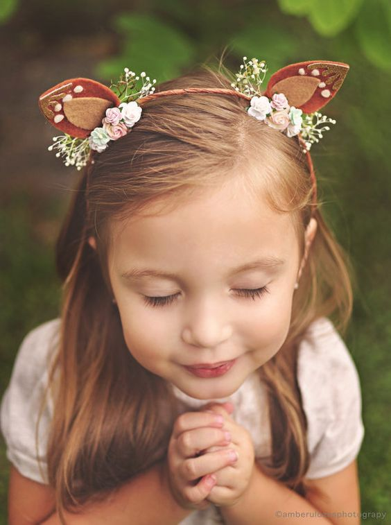 Enchanted Forest Party Theme Ideas for Kids Birthday floral headbands momooze.com online magazine for moms