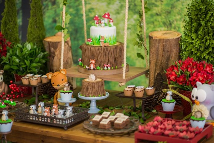 Enchanted Forest Party Theme Ideas for Kids Birthday tables for outdoor snacks momooze.com online magazine for moms