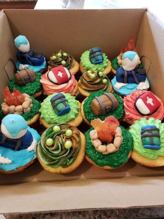 Fortnite-Birthday-Party-creative-cupcakes