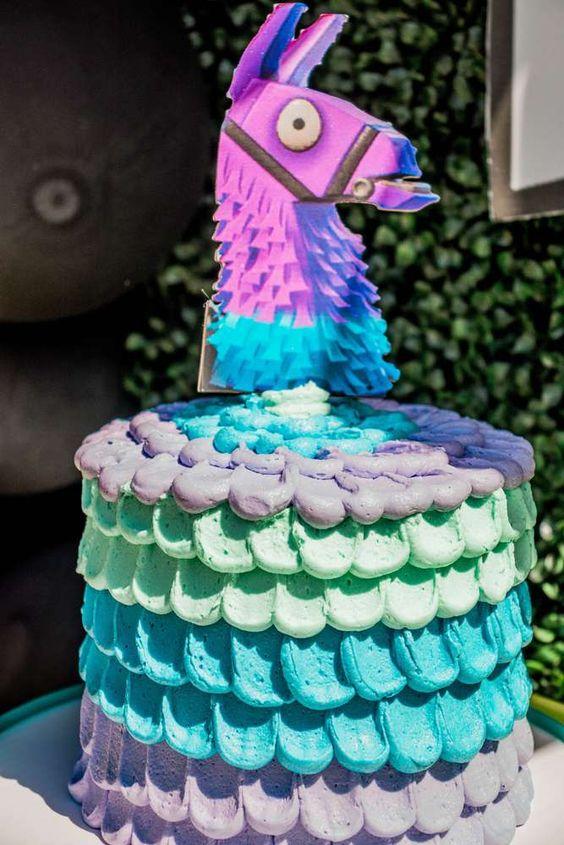 Fortnite-Birthday-Party-easy-cake