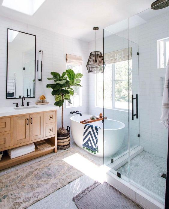 Scandinavian bathroom - small bathroom with bath tub