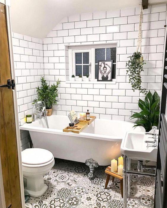 Scandinavian bathroom - small boho bathroom