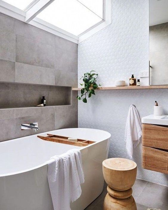 Scandinavian bathroom - day light from above