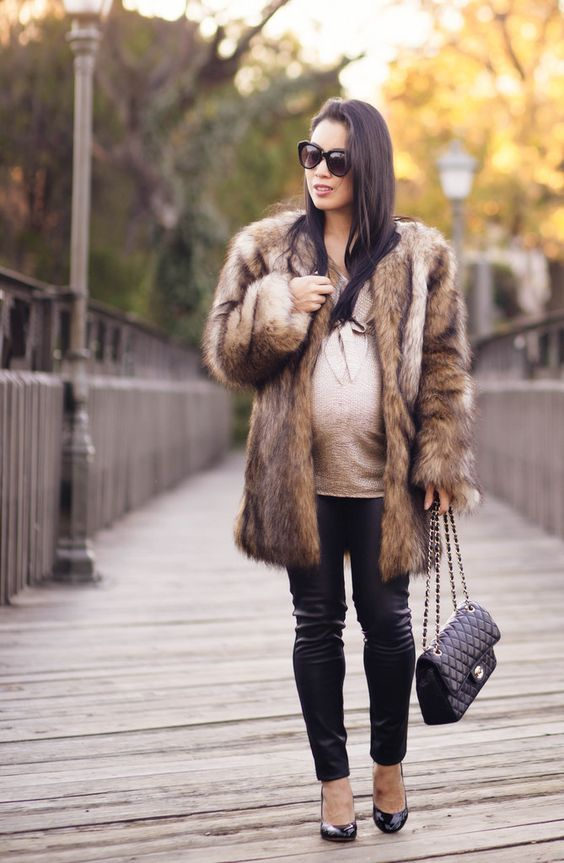 show stopping maternity outfits for this winter