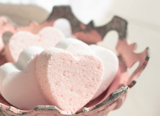 Top Valentine's Day DIY Ideas love potion heart homemade bath bombs momooze.com online magazine for moms