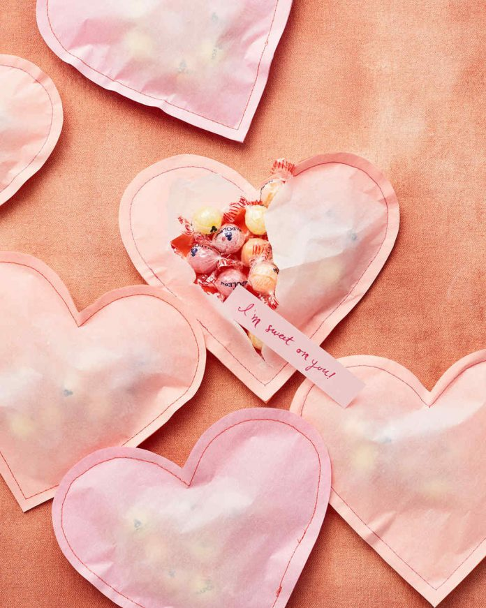 Top Valentine's Day DIY Ideas stuffed paper hearts momooze.com online magazine for moms