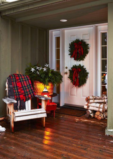 best christmas porch decoration cozy chair momooze.com online magazine for modern moms