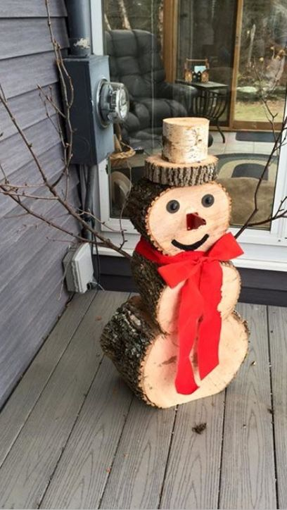 best christmas porch decoration ideas DIY stump snowman momooze.com online magazine for modern moms