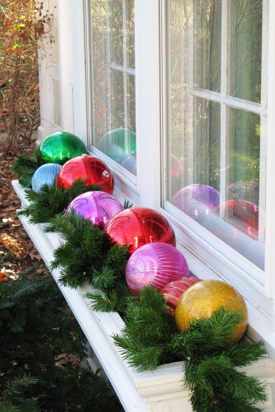 best christmas porch decoration ideas christmas balls ornaments decoration momooze.com online magazine for modern moms