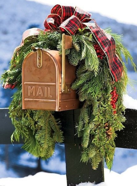 best christmas porch decoration ideas christmas decor mail box momooze.com online magazine for modern moms