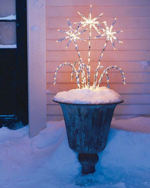 best christmas porch decoration ideas christmas sparkler lights momooze.com online magazine for modern moms