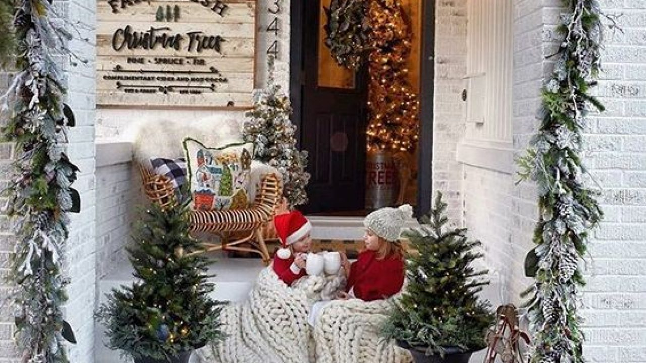 60 Christmas Porch Decor Ideas