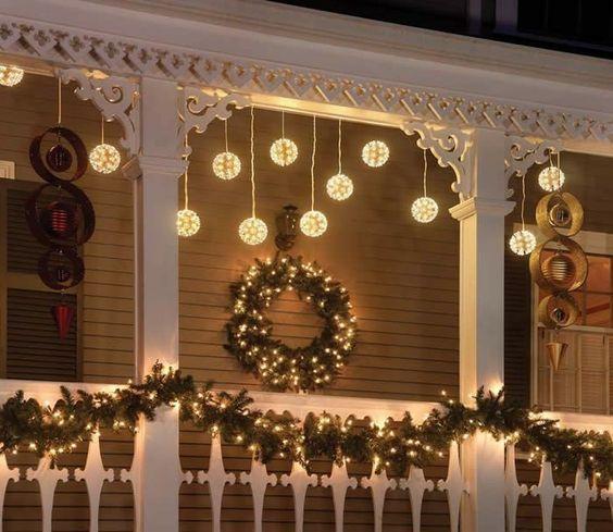 best christmas porch decoration ideas snowflake lights momooze.com online magazine for modern moms