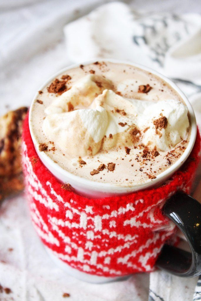 christmas hot beverages peanut butter hot chocolate momooze.com online magazine for modern moms