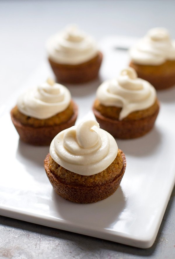 delicious Easter brunch recipes best carrot cake cupcakes momooze.com online magazine for moms
