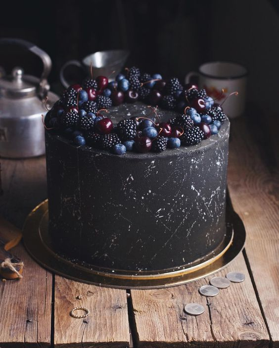 for heavens cake stunning delicious blackberry night sky cake momooze.com online magazine for moms