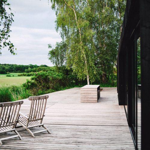 garden improvement with deck