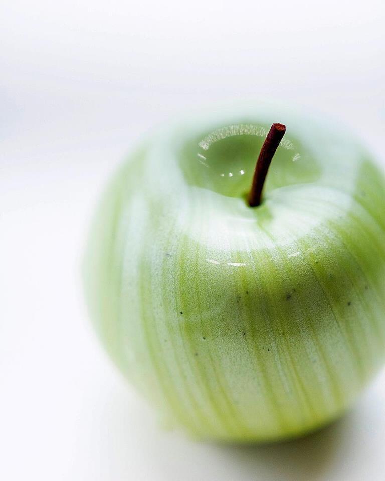 haute cuisine treats cedric grolet apple momooze.com online magazine for modern moms