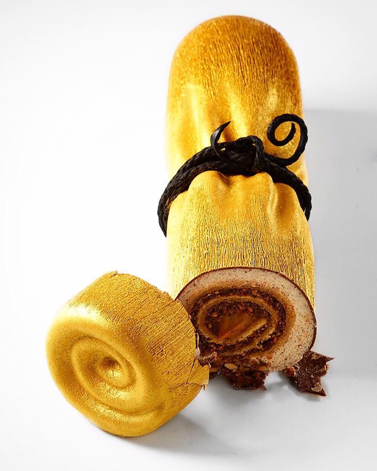 haute cuisine treats noisette yule log cedric grolet momooze.com online magazine for modern moms