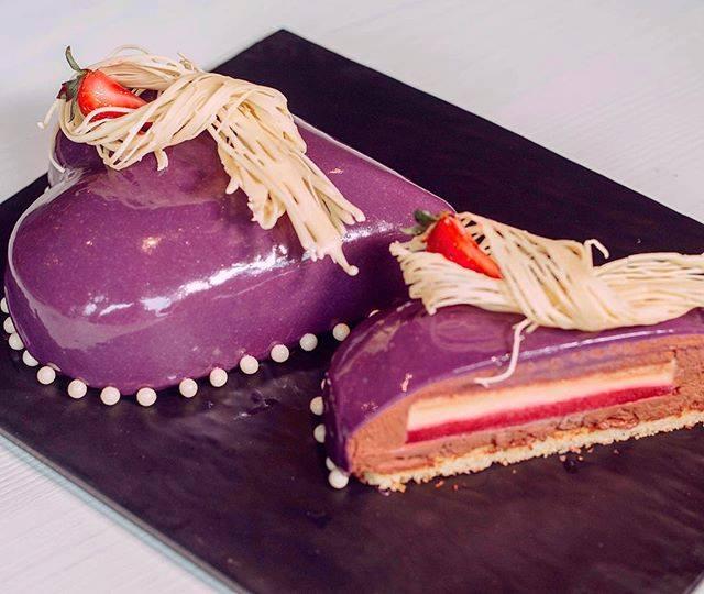 haute cuisine treats pastry Chef Francois Payard heart cake momooze.com online magazine for modern moms