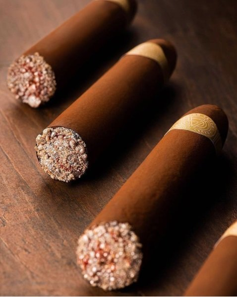 haute cuisine treats pastry amaury guichon chocolate cigar momooze.com online magazine for modern moms