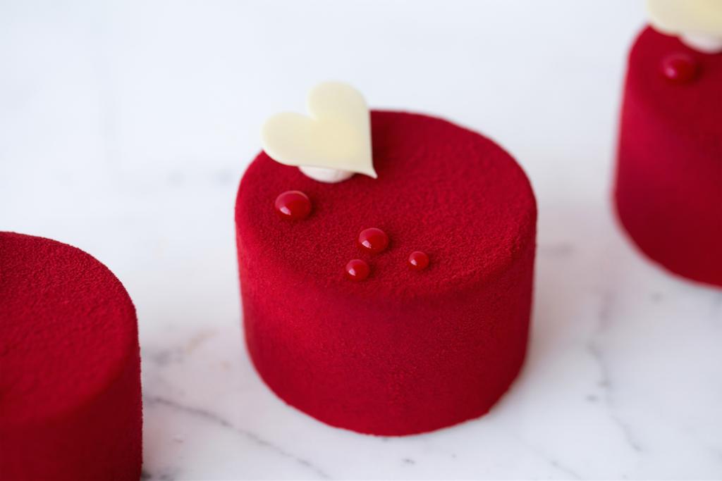 haute cuisine treats red pastry cyril lignac momooze.com online magazine for modern moms