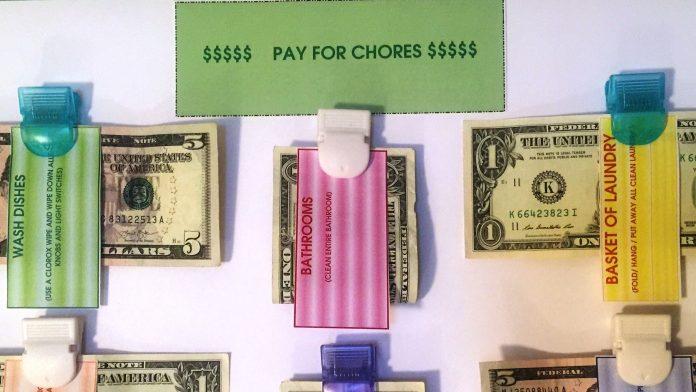 kids money lesson chores momooze.com