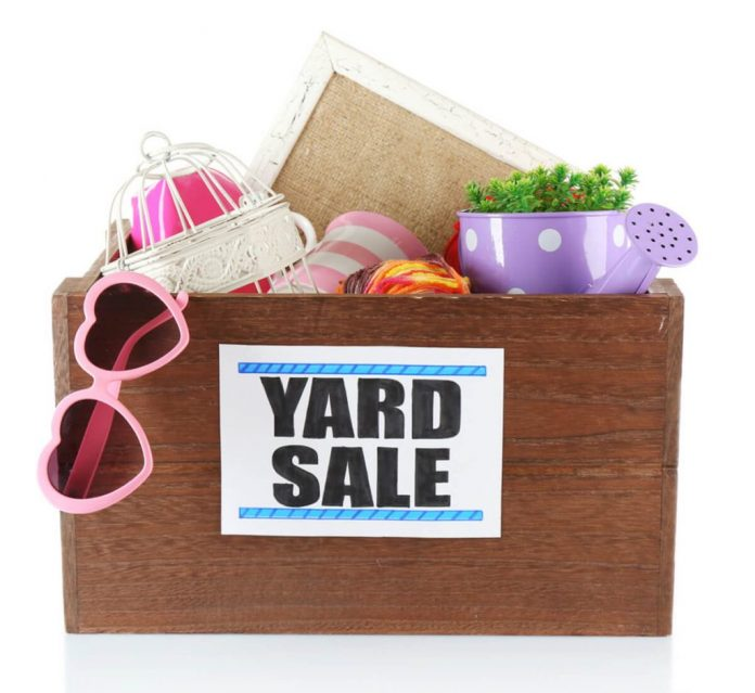 kids money lesson yard sale momooze.com