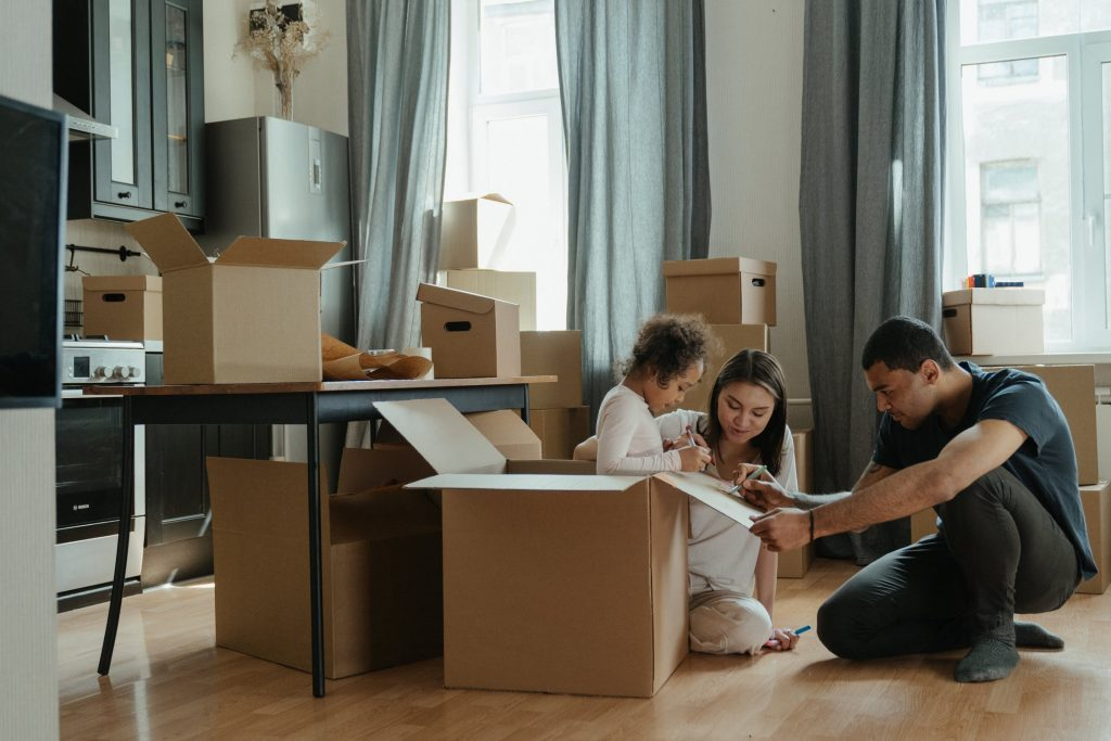 How To Get Organised For An Upcoming Long-Distance Move