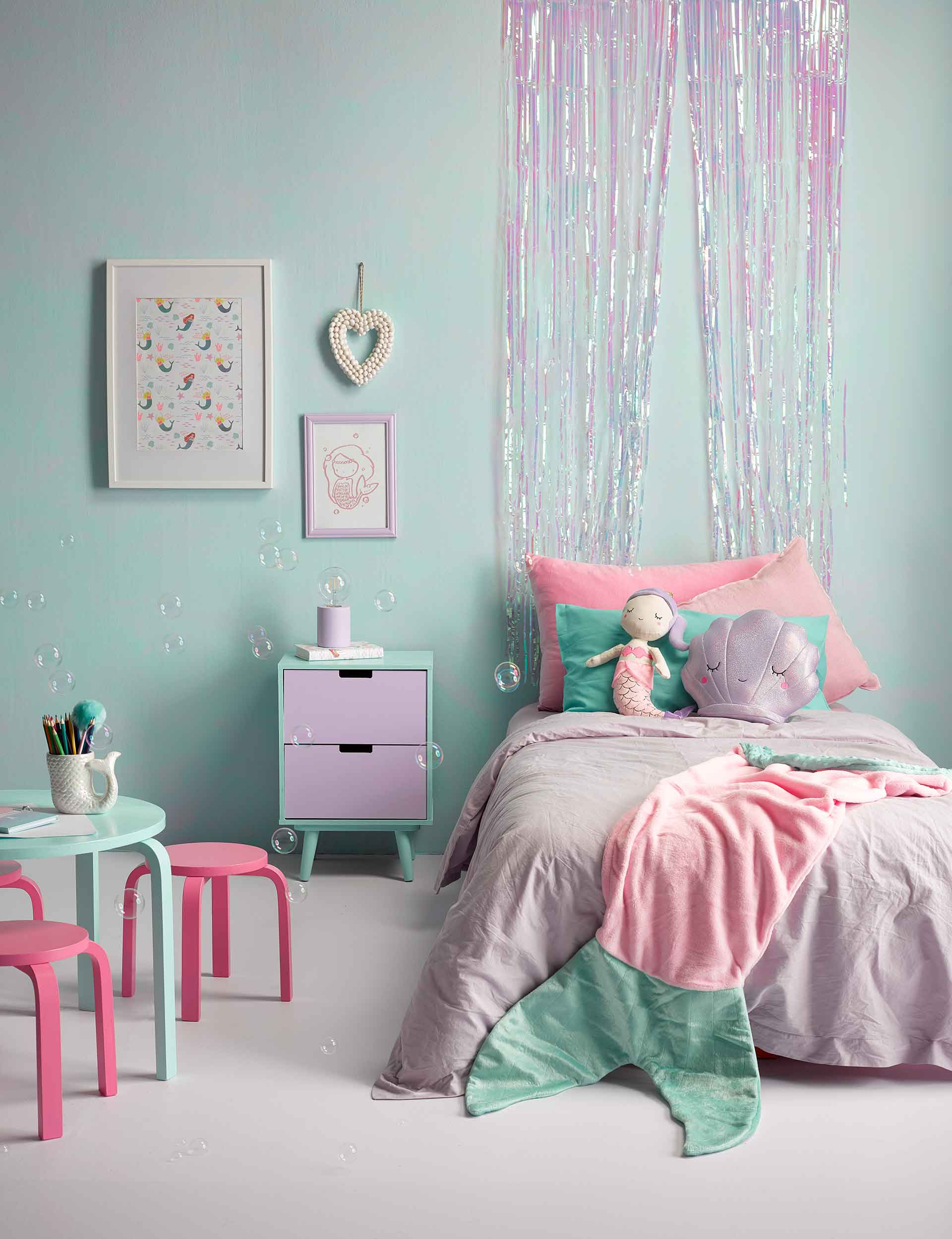 33 Whimsical Mermaid Bedroom Ideas For Girls