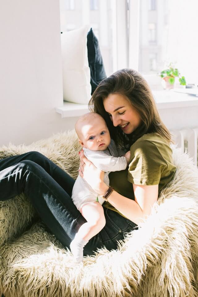How New Moms Can Boost Confidence & Beat Postpartum Depression