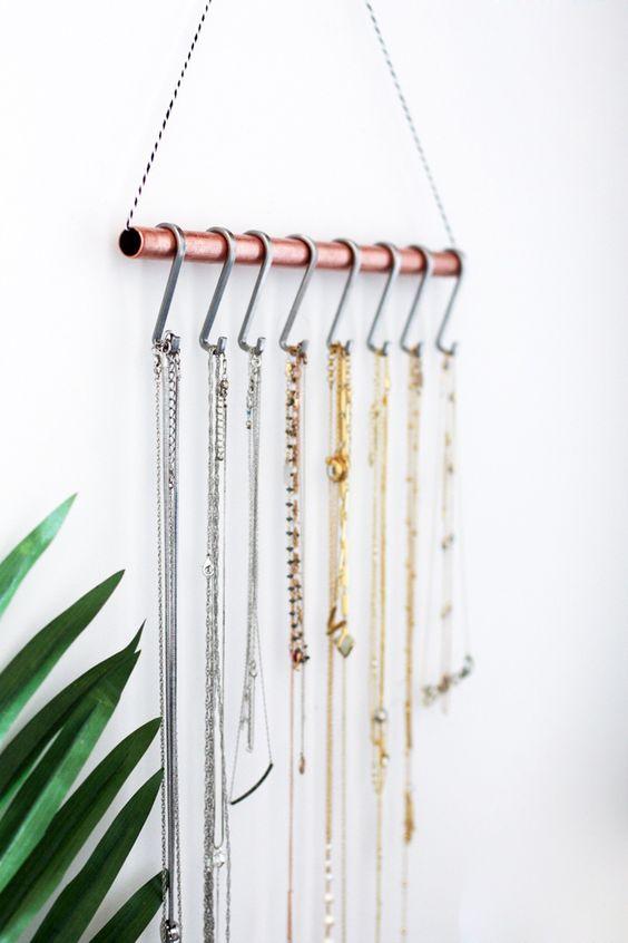 25+ Super Easy Necklace Organizer Ideas