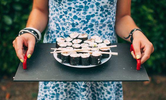 pregnancy food sushi momooze.com online magazine for modern moms