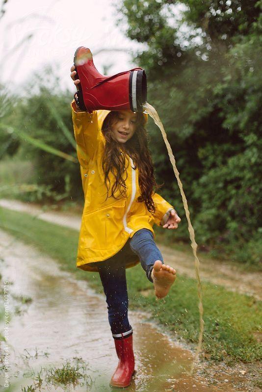 rainy day activities for kids play in rain momooze.com
