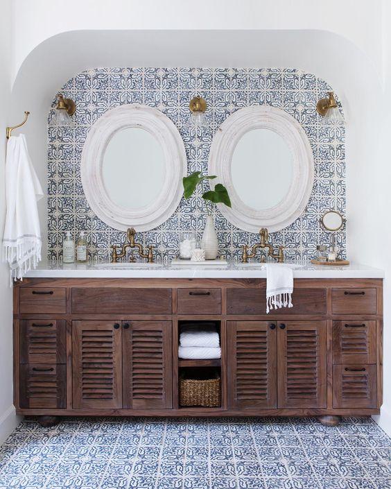 Spanish bathrooms