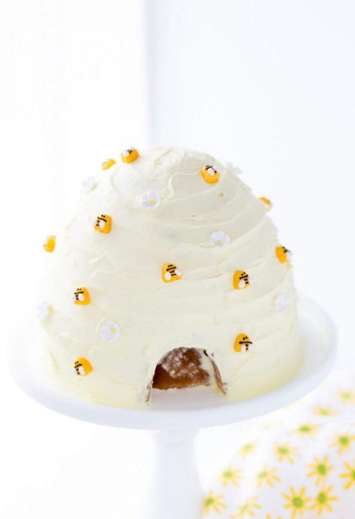 stunning delicious kids birthday lemon honey cake momooze.com online magazine for moms