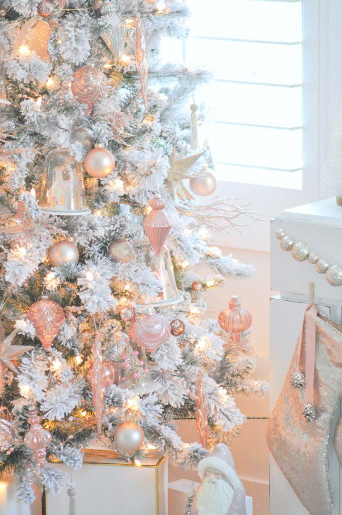 ultimate christmas decoration blush pink ornaments momooze.com online magazine for modern moms