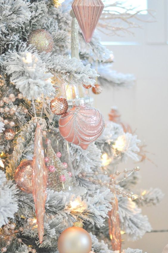 ultimate christmas decoration color theme pink rose gold momooze.com online magazine for modern moms